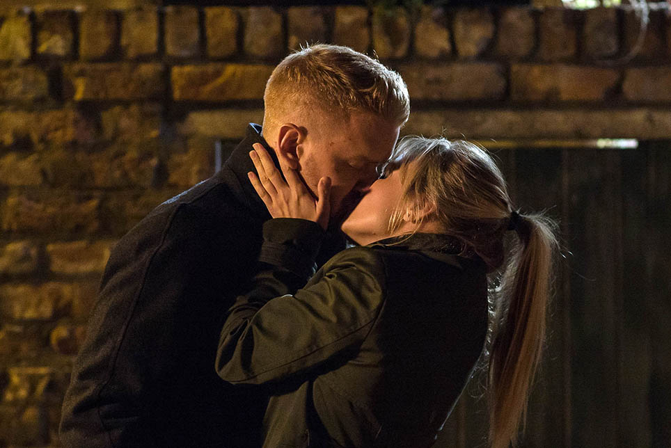 FROM ITV  STRICT EMBARGO - NO USE BEFORE TUESDAY 18 OCTOBER 2016                                  Coronation Street - Ep 9021  Wednesday 26 October 2016   Having received a text asking him to meet her, Gary Windass [MIKEY NORTH] finds Sarah Platt [TINA O'BRIEN] lurking in the ginnel. Apologising for all the mixed messages, Sarah admits she really wants him and they kiss passionately.  Picture contact: david.crook@itv.com on 0161 952 6214  Photographer - Mark Bruce  This photograph is (C) ITV Plc and can only be reproduced for editorial purposes directly in connection with the programme or event mentioned above, or ITV plc. Once made available by ITV plc Picture Desk, this photograph can be reproduced once only up until the transmission [TX] date and no reproduction fee will be charged. Any subsequent usage may incur a fee. This photograph must not be manipulated [excluding basic cropping] in a manner which alters the visual appearance of the person photographed deemed detrimental or inappropriate by ITV plc Picture Desk. This photograph must not be syndicated to any other company, publication or website, or permanently archived, without the express written permission of ITV Plc Picture Desk. Full Terms and conditions are available on the website www.itvpictures.com